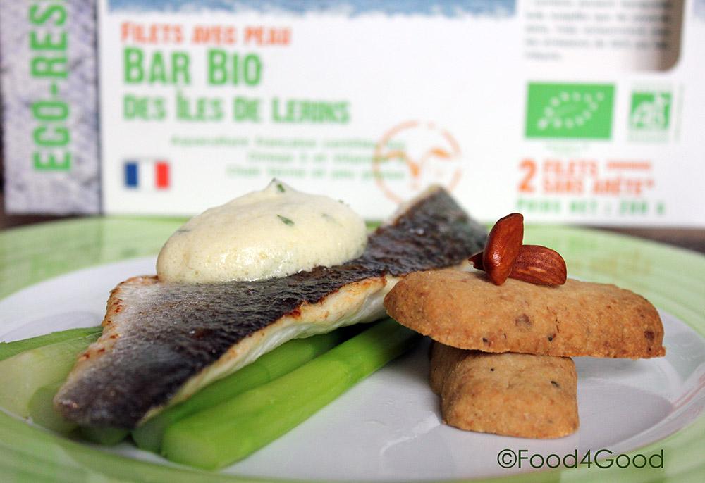 Bar bio poel aux asperges vertes et sabl s aux amandes food4good - Asperge verte a la poele ...