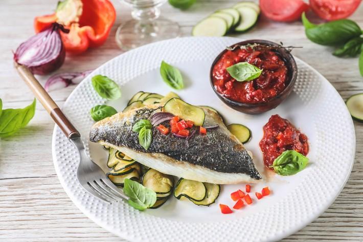 Recette Food4Good - Daurade royale bio à la plancha, sauce salsa et courgettes