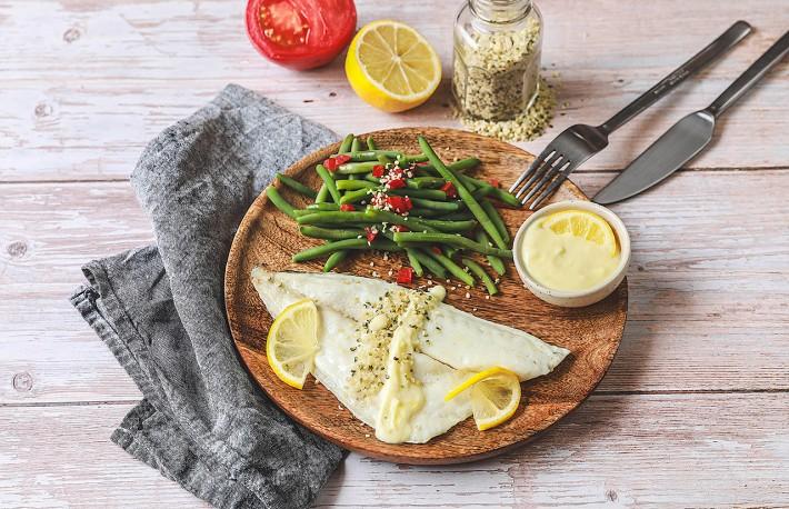 Recette Food4Good - Daurade royale bio au four sauce citron, haricots verts & graines de chanvre