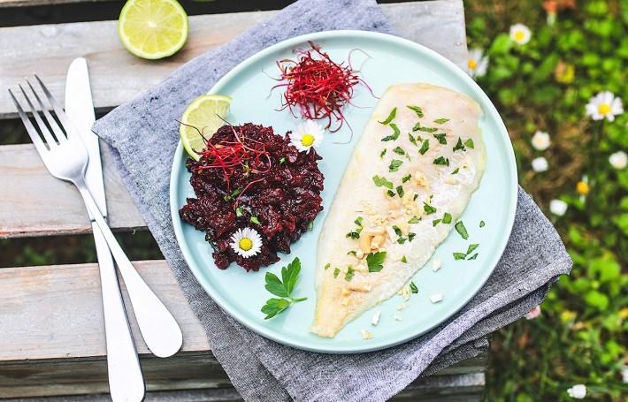 Recette Food4Good : Filet de Merlu MSC au four, caviar de betterave & noix de cajou