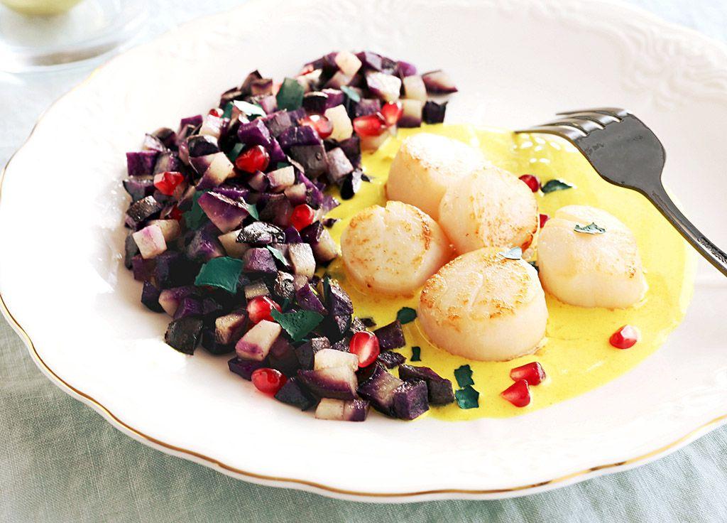 recette-noix-de-saint-jacques-MSC-sauce-doree-au-curcuma-et-pommes-de-terre-vitelotte